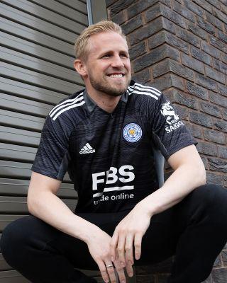 Leicester City S/S Goalkeeper Shirt Black 2021/22